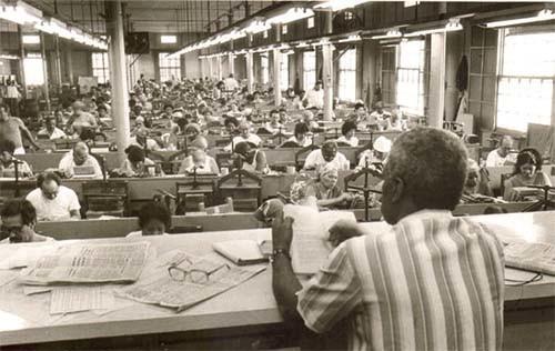 23-cigar-factory-readers-2.jpg