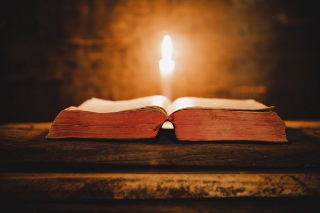 Livros Sagrados.jpg