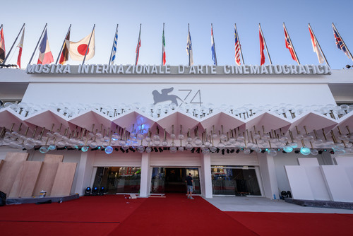 38115-Palazzo_del_Cinema_2017_Set_up____La_Biennal