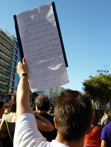 manif_cartaz_avrepublica_anagomes.jpg