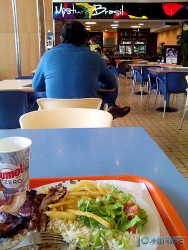 Almoçar no Mistura Brasil no Centro Comercial Foz Plaza na Figueira da Foz [en] Lunch at the Mix Brazil in the Foz Plaza Mall in Figueira da Foz, Coimbra, Portugal