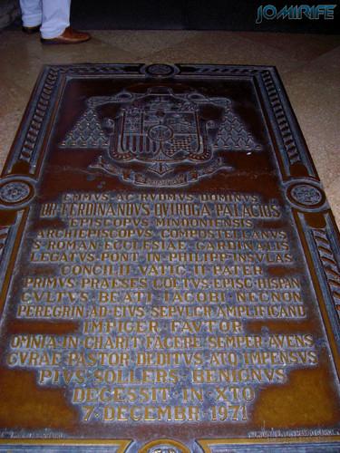 Santiago de Compostela (9) Sepultura na igreja