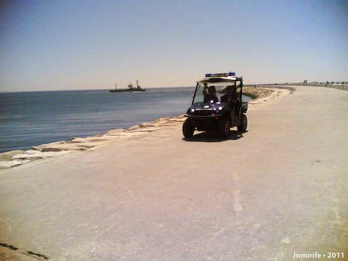 A polícia tem um buggie para patrulhar a praia