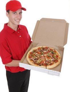 Entraga de uma Pizza a um gay