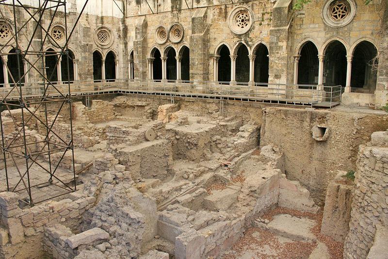 800px-Escavações_no_Claustro_da_Sé_de_Lisboa.jp
