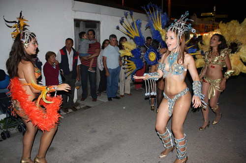 O desfile do carnaval na Expofacic