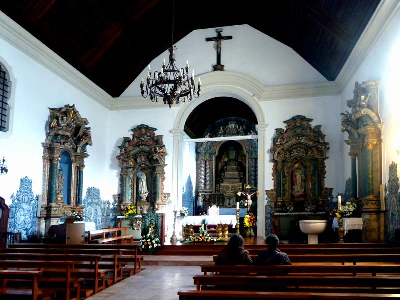 Igreja S. Martinho do Bispo, capela mor.jpg