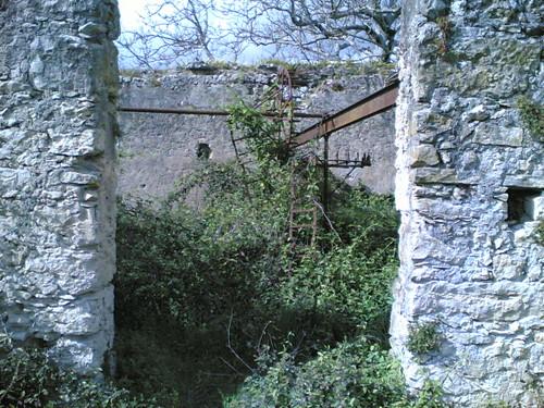 Convento de Tentúgal: Jardim - Moinho de água
