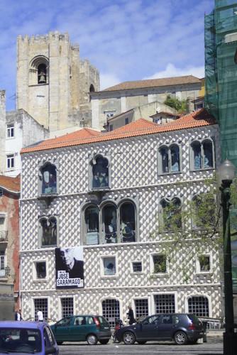 Casa dos Bicos e Sé de Lisboa