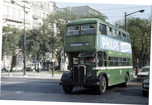 Autocarro 3, Avenida (Wood's Library, 1980)