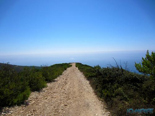 Miradouro Oeste da Serra da Boa Viagem na Figueira da Foz - Caminho [en] Viwepoint west of Boa Viagem Mountain in Figueira da Foz, Portugal