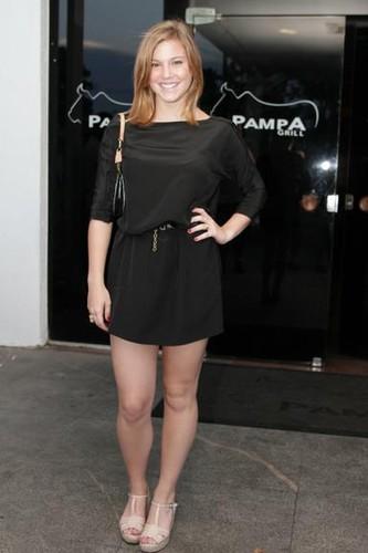 Alice Wegmann (atriz).jpg