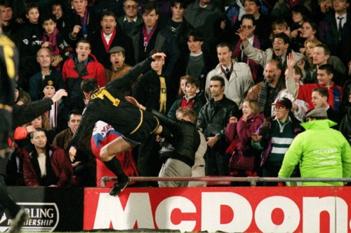 eric-cantona-kung-fu-kicks-crystal-palace-fan-matt