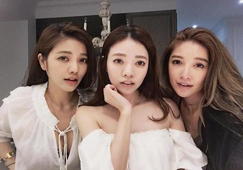 HD Mãe e filhas de Taiwan.jpg