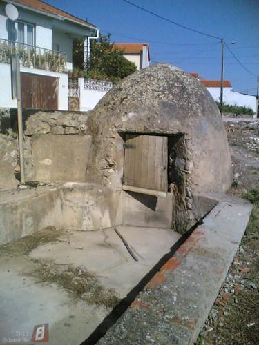Poço coberto em Lares, Figueira da Foz