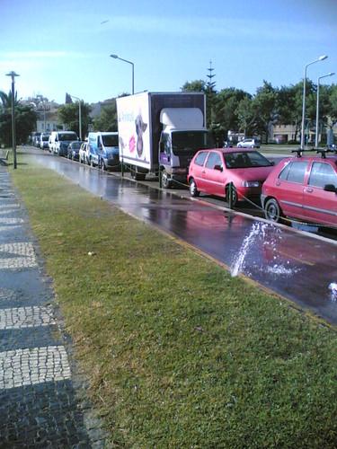 A pista das bicicletas na Figueira da Foz lavada