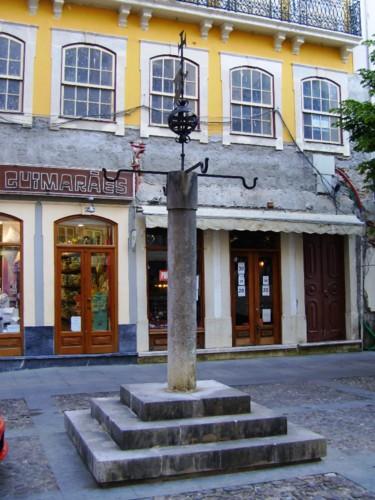 Pelourinho de Coimbra c.JPG