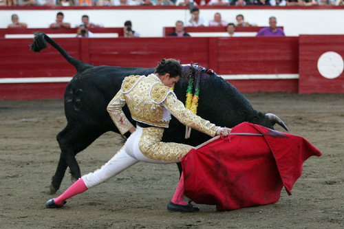 A elegância de Arturo Saldivar...