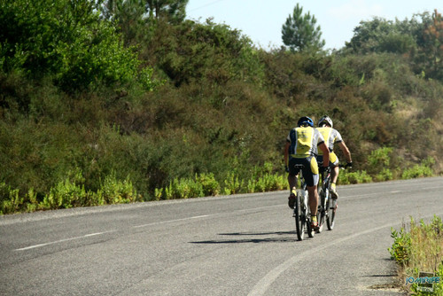 BTT XCM 2012 Montemor (106) Atletas pela estrada