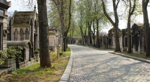 Pere-Lachaise-entre-os-cemiterios-mais-bonitos-do-