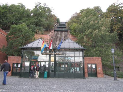 Budapeste - vista do Funicular pela Clark Adám tér