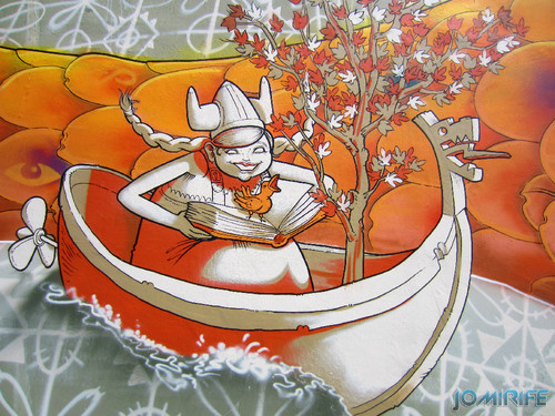 Arte Urbana by Mário Belém - Peixe laranja/Imaginário no CAE na Figueira da Foz Portugal - Elemento mulher no barco (16) [en] Urban art by Mário Belém - Orange Fish/Imaginary in Art Center Figueira da Foz, Portugal