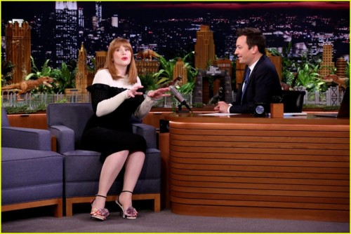 bryce-dallas-howard-jimmy-fallon-02.JPG