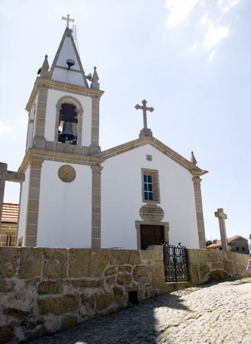 Igreja Paroquial de Peroselo
