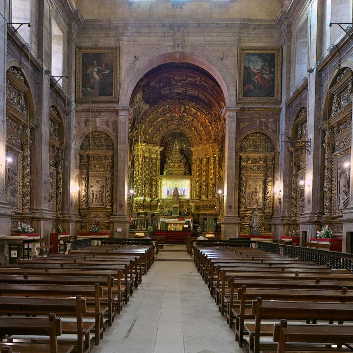 Convento Santa Clara-a- Nova. Interior da igreja.j