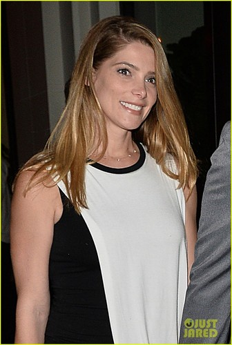 ashley-greene-shows-off-blonder-hair-while-leaving