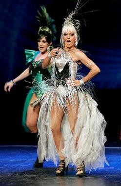 Show de travesti do Finalmente Club na Gala Abraço de 2010