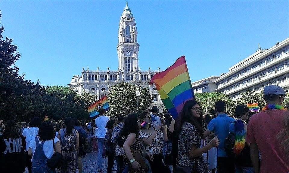 bandeira arco iris porto 17 maio