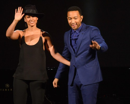 Alicia-Keys-John-Legend-sang-duet.jpg