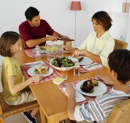 jantar-familia