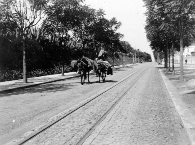 Av. António Augusto de Aguiar, Lisboa (J. Benoliel, 1909)