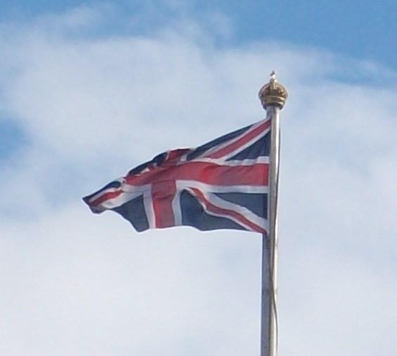 Union_flag_a_Buckingham_Palace.jpg