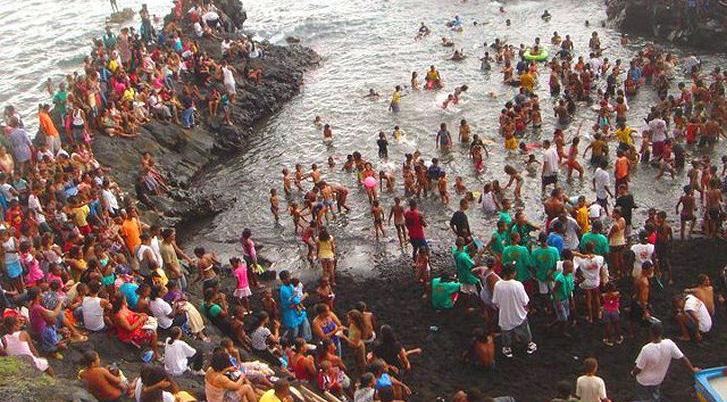 festival-praia-lancha-fogo-cabo-verde.jpg