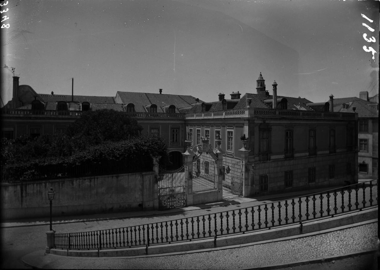 Palácio Penafiel, e parte do Largo do Correio-Mor