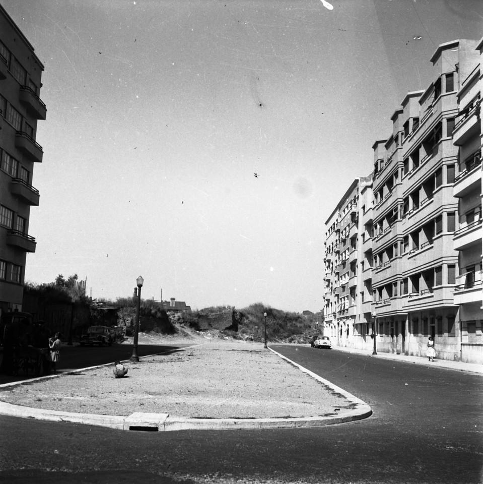 Av. João XXI inacabada, Lisboa (J. Benoliel, 195...)