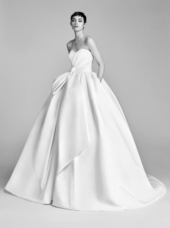 08-viktor-rolf-spring-18-bridal.jpg