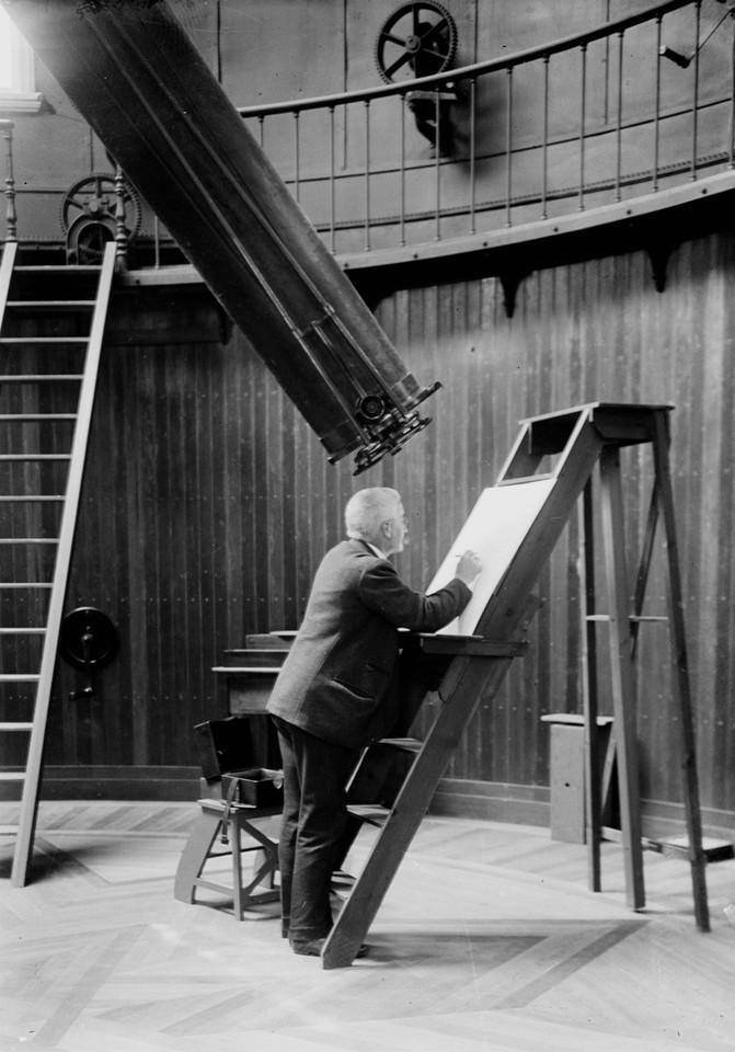 Frederico Oom registando a observação do eclipse