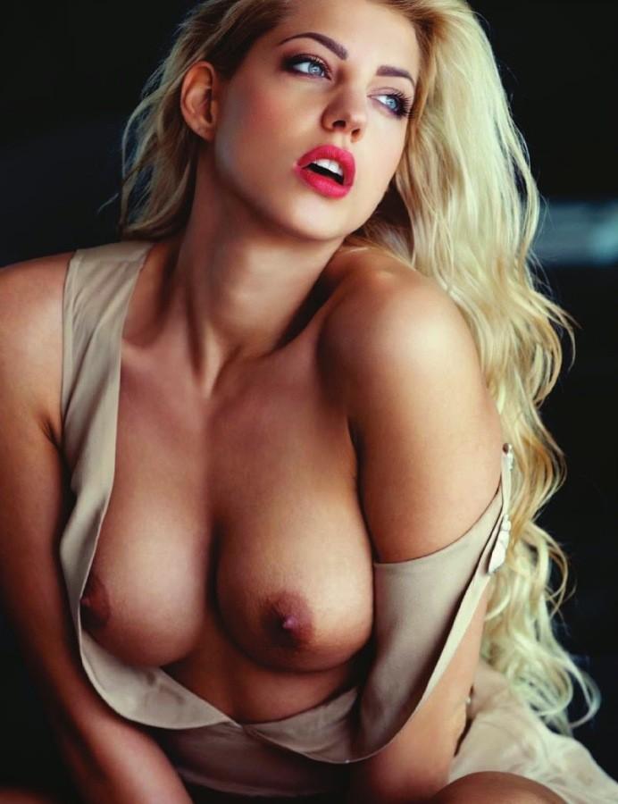 Alyssa milano nude metacafe something