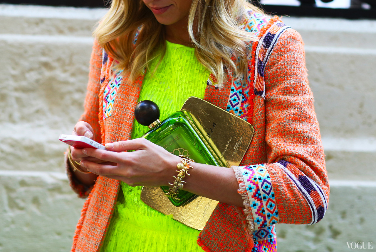 neon-trend-fashion-week-couture-street-style.jpg