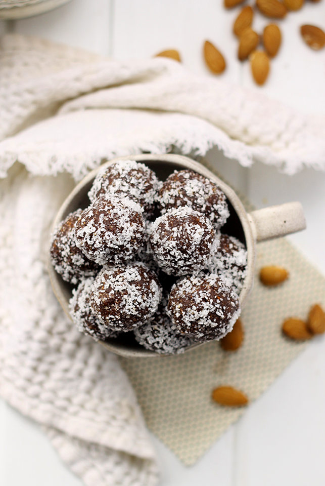 No-Bake-Almond-Joy-Energy-Balls-3.png