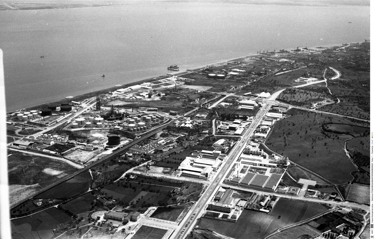 Fotografia aérea da zona industrial de Cabo Ruivo