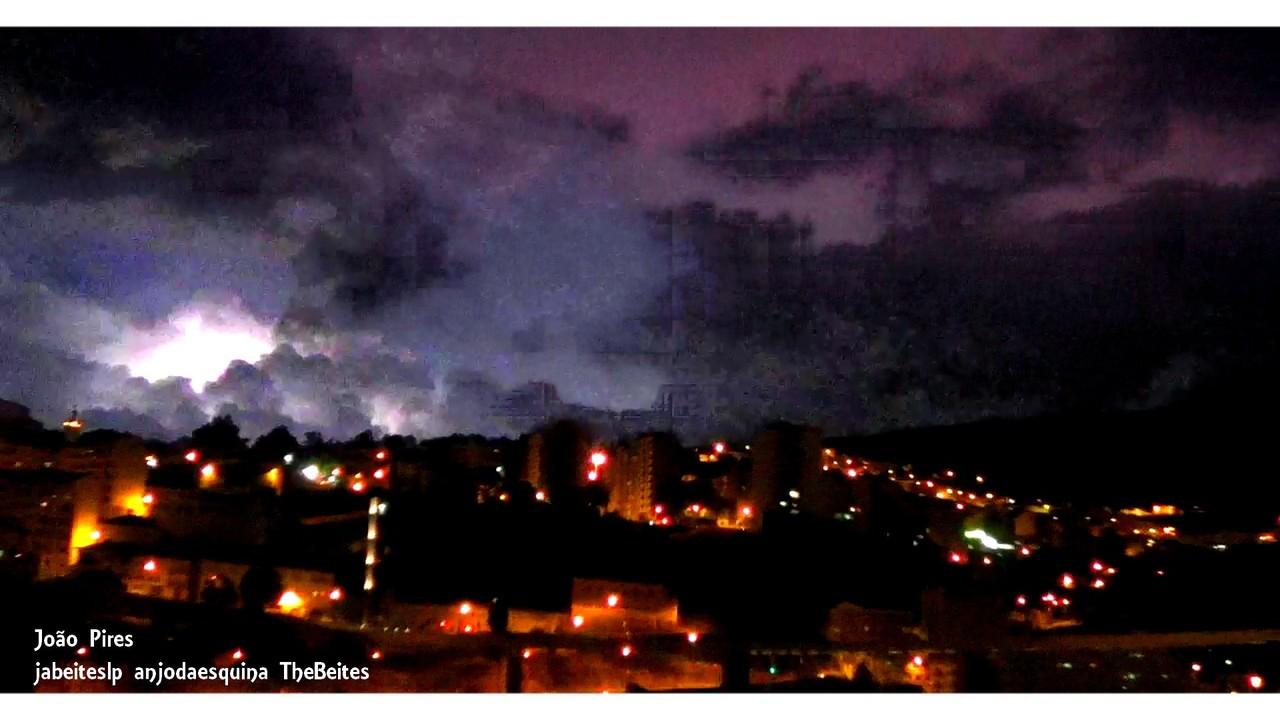 Castelo da Covilhã nas nuvens by night ..jpg