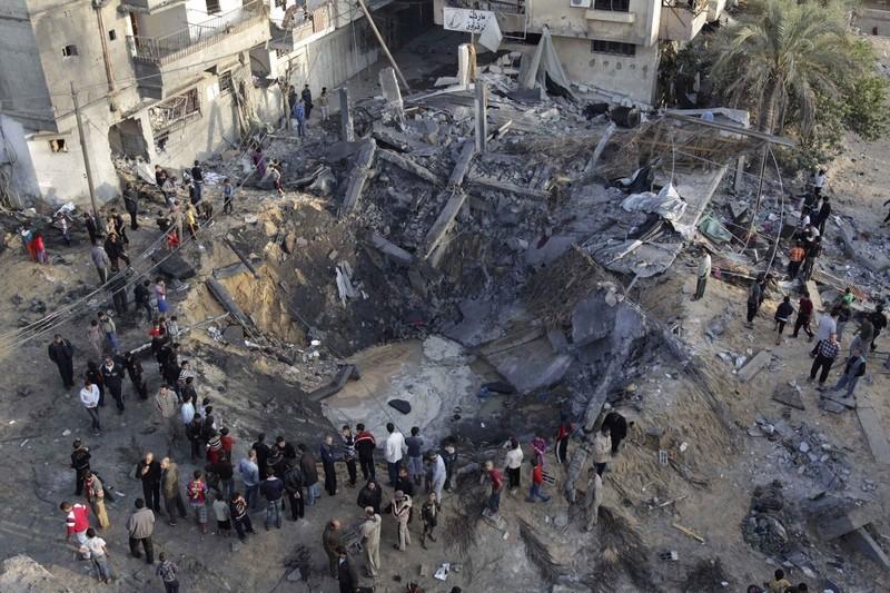 palestina-bombardeamento-khan_younis-2012