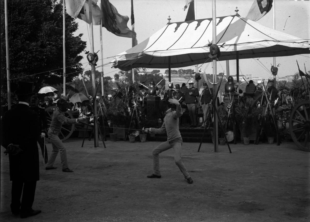 Rei Dom Carlos assistindo a exercícios de esgrima