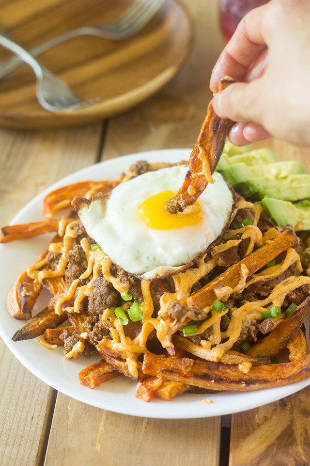 loaded-chili-sweet-potato-fries-9.jpg