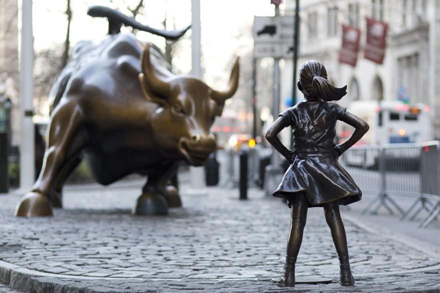 fearless girl le taureau de wall street.jpg